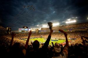 Super_Bowl_XLIII_-_Thunderbirds_Flyover_-_Feb_1_2009 (1)